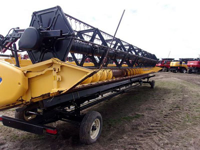 Detail photo of 2009 New Holland 760CG-35 from Construction Equipment Guide