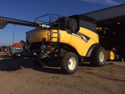 Detail photo of 2003 New Holland CR960 from Construction Equipment Guide