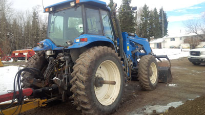 Detail photo of 1995 New Holland 8670 from Construction Equipment Guide