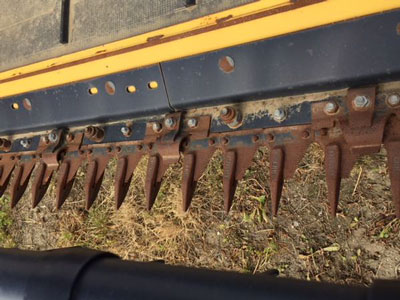 Detail photo of 2013 New Holland 840CD-35 from Construction Equipment Guide