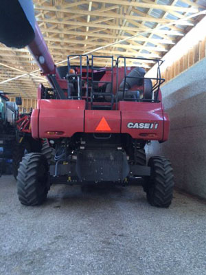 Detail photo of 2011 Case IH 8120 from Construction Equipment Guide