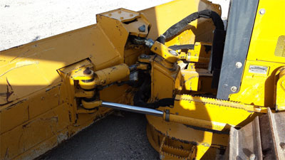Detail photo of 2011 John Deere 450J from Construction Equipment Guide