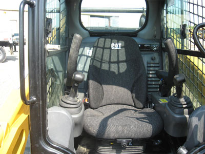 Detail photo of 2015 Caterpillar 299D from Construction Equipment Guide
