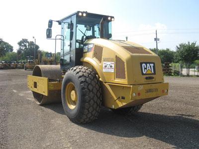 Detail photo of 2013 Caterpillar CS56B from Construction Equipment Guide