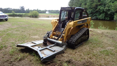 Detail photo of 2006 John Deere CT322 from Construction Equipment Guide