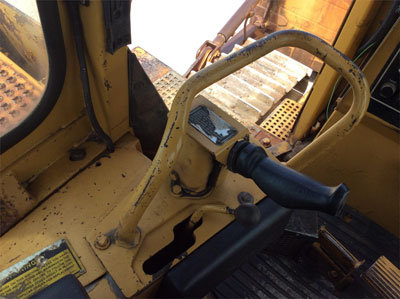 Detail photo of 1987 Caterpillar D8N from Construction Equipment Guide