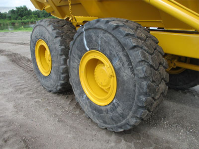Detail photo of 2011 John Deere 250D II from Construction Equipment Guide