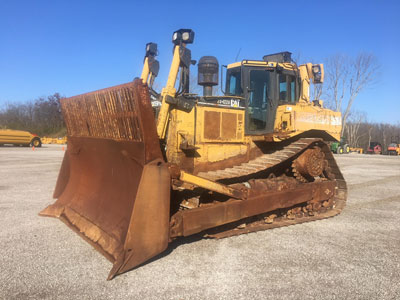 Detail photo of 2003 Caterpillar D8R from Construction Equipment Guide