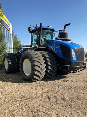 Detail photo of 2015 New Holland T9.600 from Construction Equipment Guide