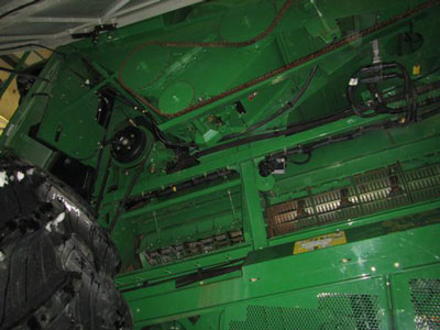 Detail photo of 2008 John Deere 9770 from Construction Equipment Guide