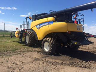 Detail photo of 2012 New Holland CR9090 from Construction Equipment Guide