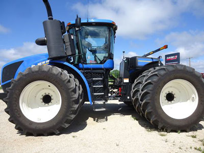 Detail photo of 2014 New Holland T9.480 from Construction Equipment Guide
