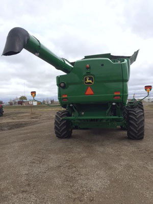 Detail photo of 2014 John Deere S680 from Construction Equipment Guide