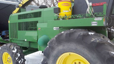 Detail photo of 1999 John Deere 6750 from Construction Equipment Guide