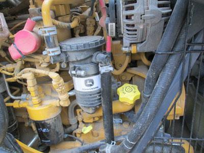 Detail photo of 2016 John Deere 310SL from Construction Equipment Guide
