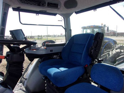 Detail photo of 2014 New Holland T8.435 from Construction Equipment Guide