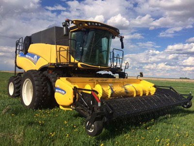 Detail photo of 2015 New Holland CR9.90 from Construction Equipment Guide