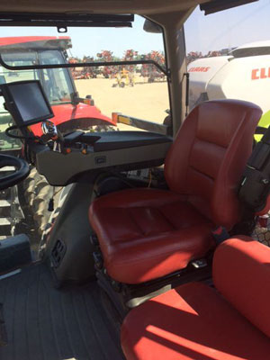 Detail photo of 2014 Case IH MAG370 from Construction Equipment Guide