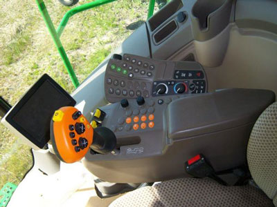 Detail photo of 2013 John Deere S670 from Construction Equipment Guide