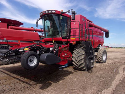 Detail photo of 2007 Case IH 7010 from Construction Equipment Guide