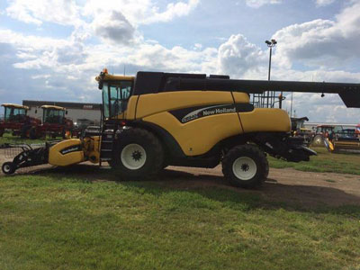 Detail photo of 2005 New Holland CR940 from Construction Equipment Guide