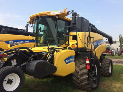 Detail photo of 2007 New Holland CR9070 from Construction Equipment Guide
