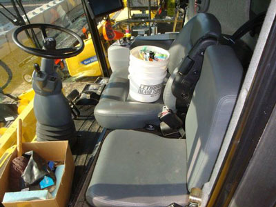 Detail photo of 2014 New Holland CR8090 from Construction Equipment Guide