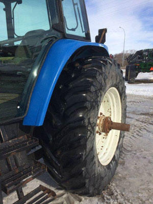 Detail photo of 2001 New Holland TM150 from Construction Equipment Guide