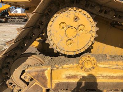 Detail photo of 2008 Caterpillar D6N LGP from Construction Equipment Guide