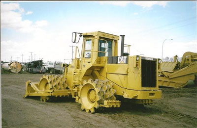 Detail photo of 1988 Caterpillar 815B from Construction Equipment Guide