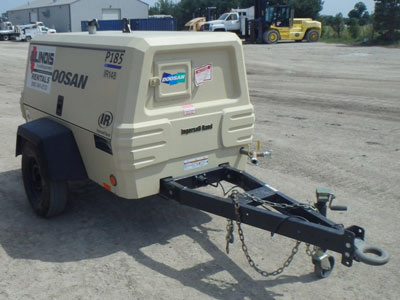 Detail photo of 2012 Doosan XP375WJD from Construction Equipment Guide