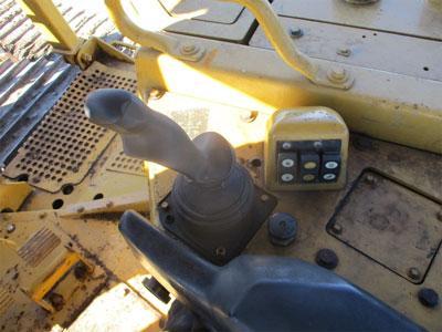 Detail photo of 2008 Caterpillar D6T LGP from Construction Equipment Guide