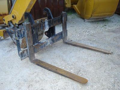 CATERPILLAR930G/420D IT Pallet Forks, 48