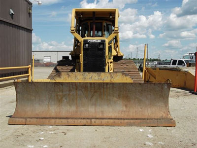 Detail photo of 2003 Caterpillar D6N from Construction Equipment Guide