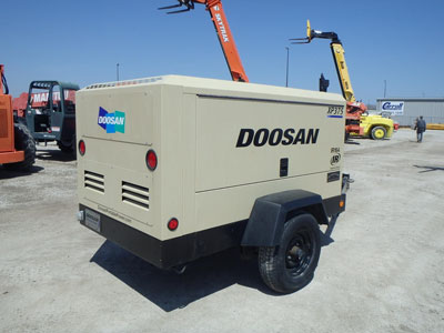 Detail photo of 2012 Doosan XP375WCU from Construction Equipment Guide
