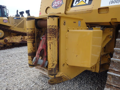 Detail photo of 2007 Caterpillar D8T from Construction Equipment Guide