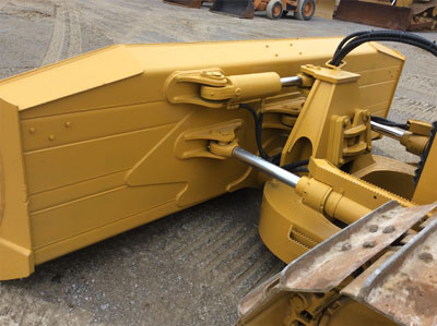 Detail photo of 2011 John Deere 850J from Construction Equipment Guide