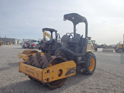 Detail photo of 2011 Volvo SD45F from Construction Equipment Guide