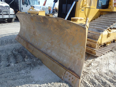 Detail photo of 2013 Caterpillar D6T LGP from Construction Equipment Guide