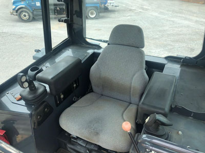 Detail photo of 2010 John Deere 850J from Construction Equipment Guide