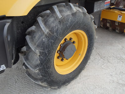 Detail photo of 2011 Volvo SD70F from Construction Equipment Guide