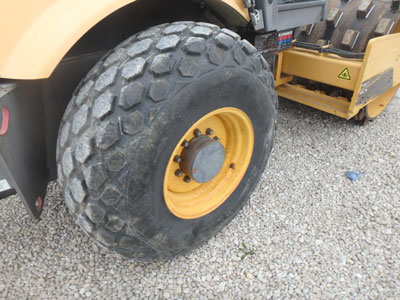 Detail photo of 2008 Volvo SD105DX from Construction Equipment Guide