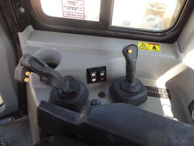 Detail photo of 2012 Caterpillar D6T LGP from Construction Equipment Guide