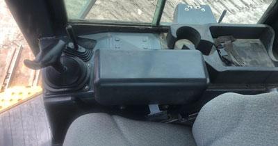 Detail photo of 2011 John Deere 700J LGP from Construction Equipment Guide