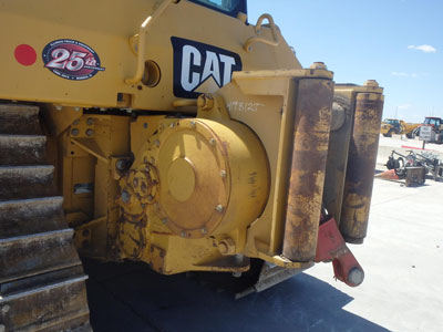Detail photo of 2011 Caterpillar D6N LGP from Construction Equipment Guide
