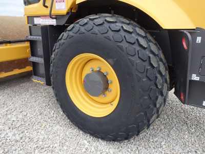 Detail photo of 2014 Volvo SD115D from Construction Equipment Guide