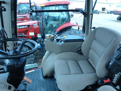 Detail photo of 2011 Case IH MAG275 from Construction Equipment Guide