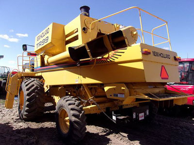 Detail photo of 2001 New Holland TR99 from Construction Equipment Guide